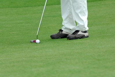 Der Punch beim Golf erfordert Feingefühl.