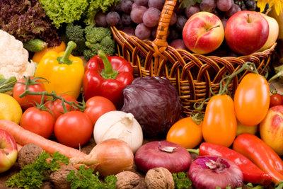 Garen Sie Gemüse im WMF-Dampfgarer.