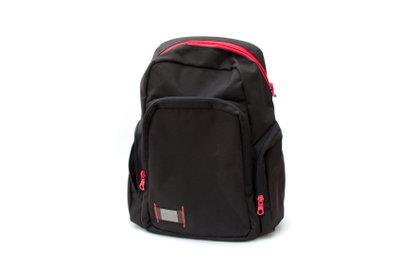 Der Schulrucksack sollte regelmäßig gereinigt werden.