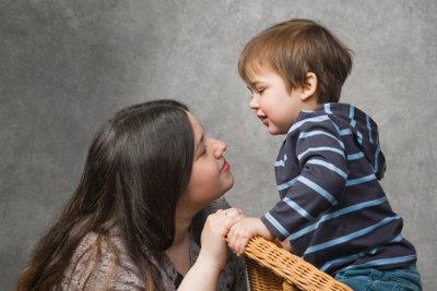 Verdienst für Kinderbetreuung vorab richtig berechnen.