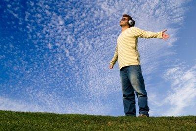 Mit einem iPod touch Musik genießen.