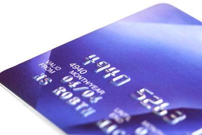 Auch als Student eine Kreditkarte beantragen.