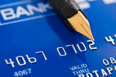 Eine EC-Karte ist ein alltägliches Zahlungsmittel.