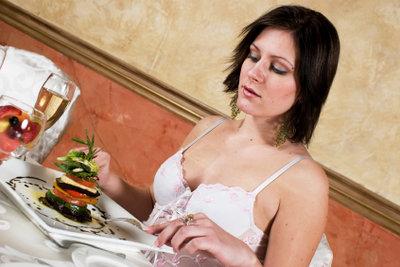 Schwitzen beim Essen ist lästig.