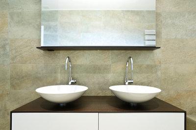Sie ersetzt den Badezimmerspiegel: Die Infrarotheizung!