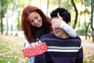 Überraschen Sie mit einem besonderen Geschenk.