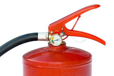 Ein Feuerlöscher sollte immer griffbereit sein.