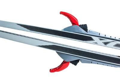 Ski-Kanten müssen regelmäßig geschliffen werden.