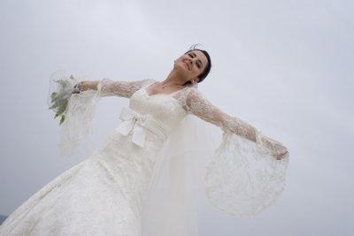 Ein Brautkleid beim Ankauf optimal verkaufen.