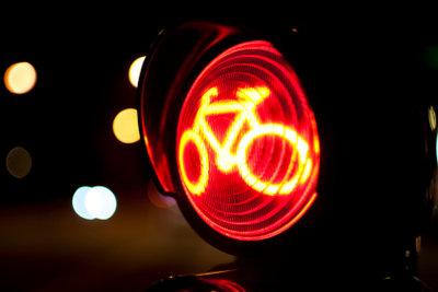 Fahrradkontrolle - Rotlichverstoß von Fahrradfahrern  wird bestraft.