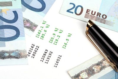 Geld sparen und Kredit vorzeitig ablösen.