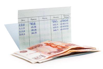 Mit IBAN und BIC überweisen Sie Geld ins Ausland.