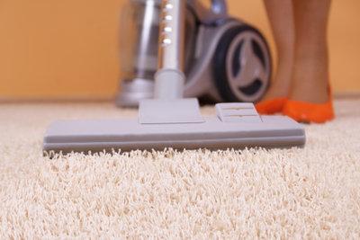 Regelmäßige Pflege erhält jeden Teppich schön.