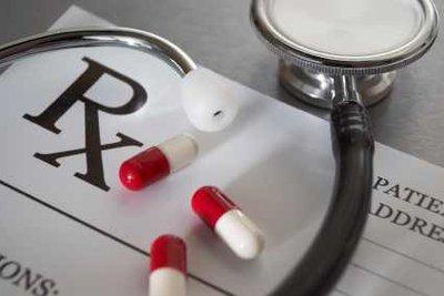 Antibiotika helfen gegen bakterielle Infektionen.