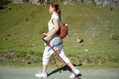 Nordic Walking mit Gewichten macht schlank.