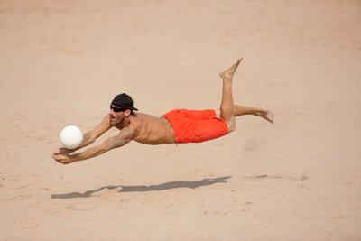 Die Annahme ist eine wichtige Volleyball-Technik.