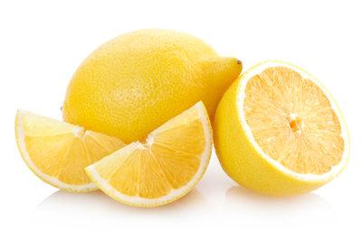 Zitronensaft bei Sonnenbrand nur verdünnt anwenden.