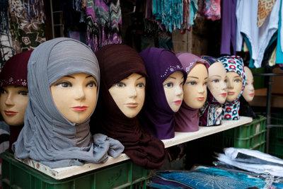 So könnten Sie Ihr Kopftuch binden.