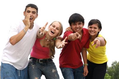Jugendschutzgesetz - Ausgehzeiten für Jugendliche einhalten.