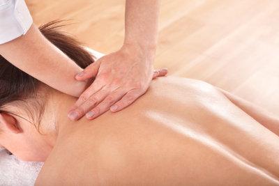 Eingeklemmter Nerv am Rücken - Chiropraktik hilft.