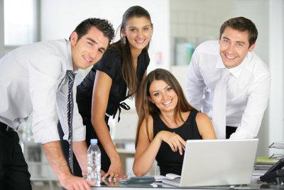 Strategische Marketingmaßnahmen fördern die Kundengewinnung.