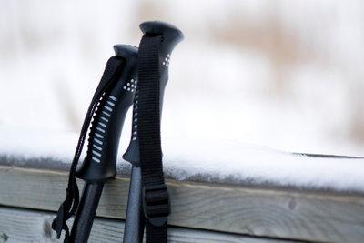 Die richtige Skistocklänge ist wichtig.