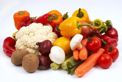 Bei Akne hilft gesunde Ernährung.