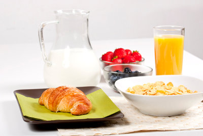 Calciumreiche Lebensmittel sind wichtig.