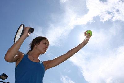 Die Balance ist wichtig beim Tennisschläger.