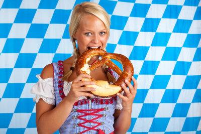 Modische Dirndl - nicht nur in Bayern beliebt.