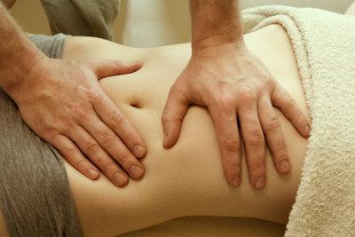 Bauchschmerzen können viele Ursachen haben.
