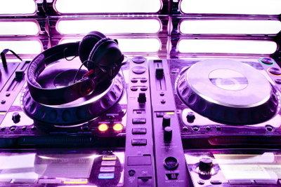 DJ werden geht auch ohne Ausbildung.