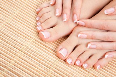 Schmerzende Füße wollen Pflege.