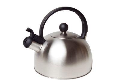 Zum Nebelerzeugen benötigen Sie einen Teekessel.