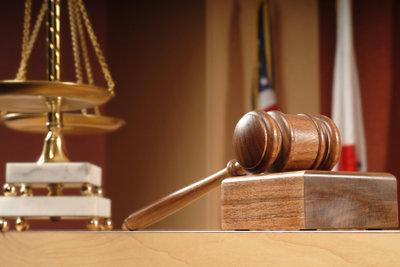 Das Arbeitsgericht versucht eine gütliche Einigung.