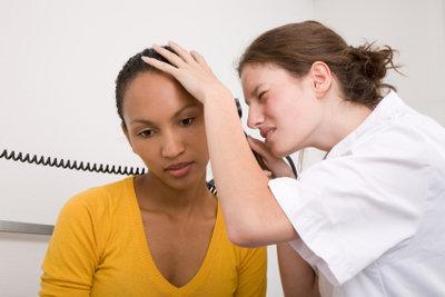 Gründe für Ohrenrauschen gibt es viele.