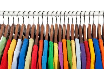 So kaufen Sie Markenkleidung im Großhandel.