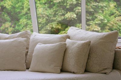 Ein neu bezogenes Sofa macht was her.