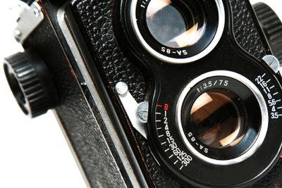 Objektive mit optischem Bildstabilisator sind besser.