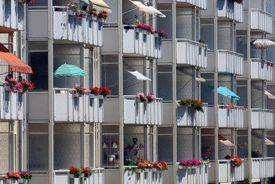 Sonnenschirme machen Balkone zu Lieblingsorten.