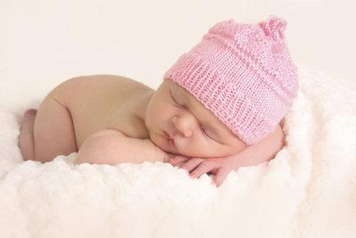 5 Wochen alte Babys brauchen Nähe.
