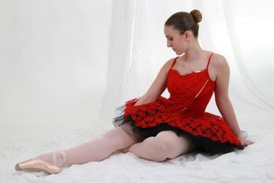 Das Tutu ist ein weites Ballettröckchen.