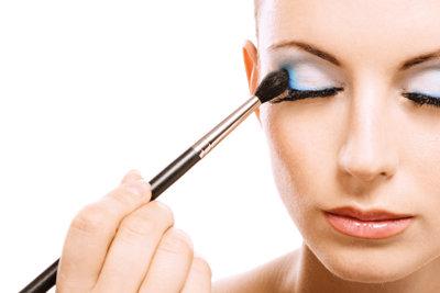 Make-up zaubert einen perfekten Teint.