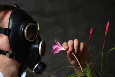Gasmasken helfen gegen Stinkbomben.