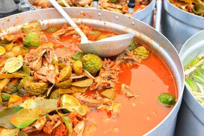 Thai-Basilikum würzt thailändische Suppen ganz vortrefflich.