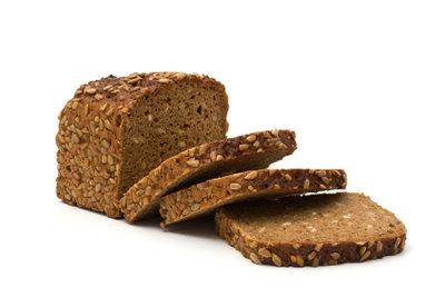 Brot ist ein leckerer, wichtiger Kohlenhydratlieferant.