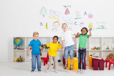 Liedeinführung im Kindergarten macht viel Spaß.