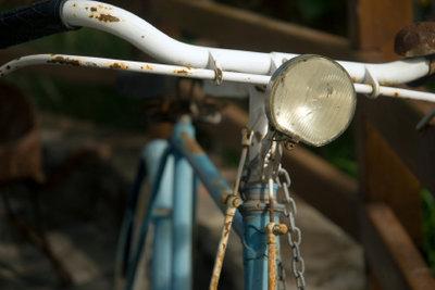 Kaputtes Licht am Fahrrad ist schnell repariert.