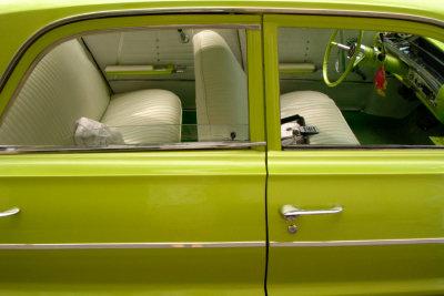 Unangenehme Gerüche im Auto machen die Fahrt zur Tortur.