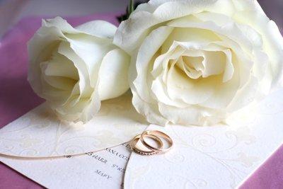 Eine individuelle Hochzeitseinladung sollte selber gestaltet sein.